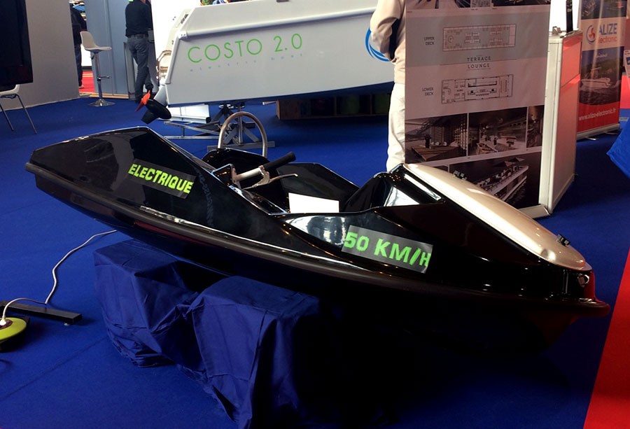 Aqualeo prsente son nouveau jet ski lectrique au salon nautic for Salon bateau paris