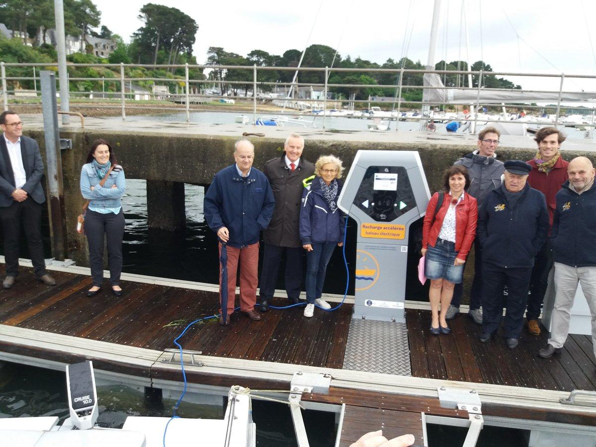 Une borne de recharge pour bateaux électriques dans le Morbihan