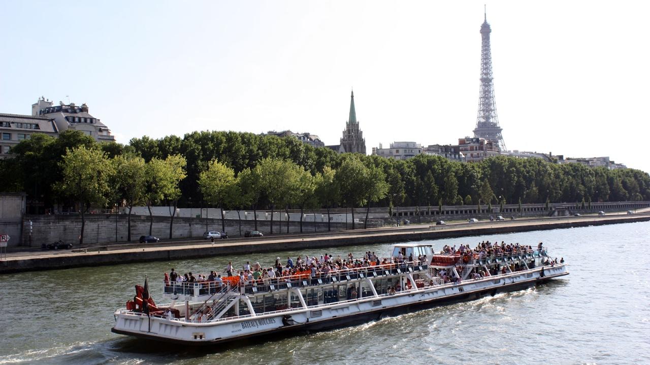 Paris va subventionner les bateaux électriques