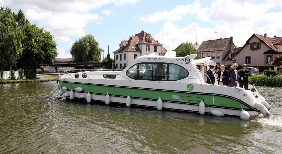 Sixto Green : un bateau électrique habitable en location dans le Bas-Rhin