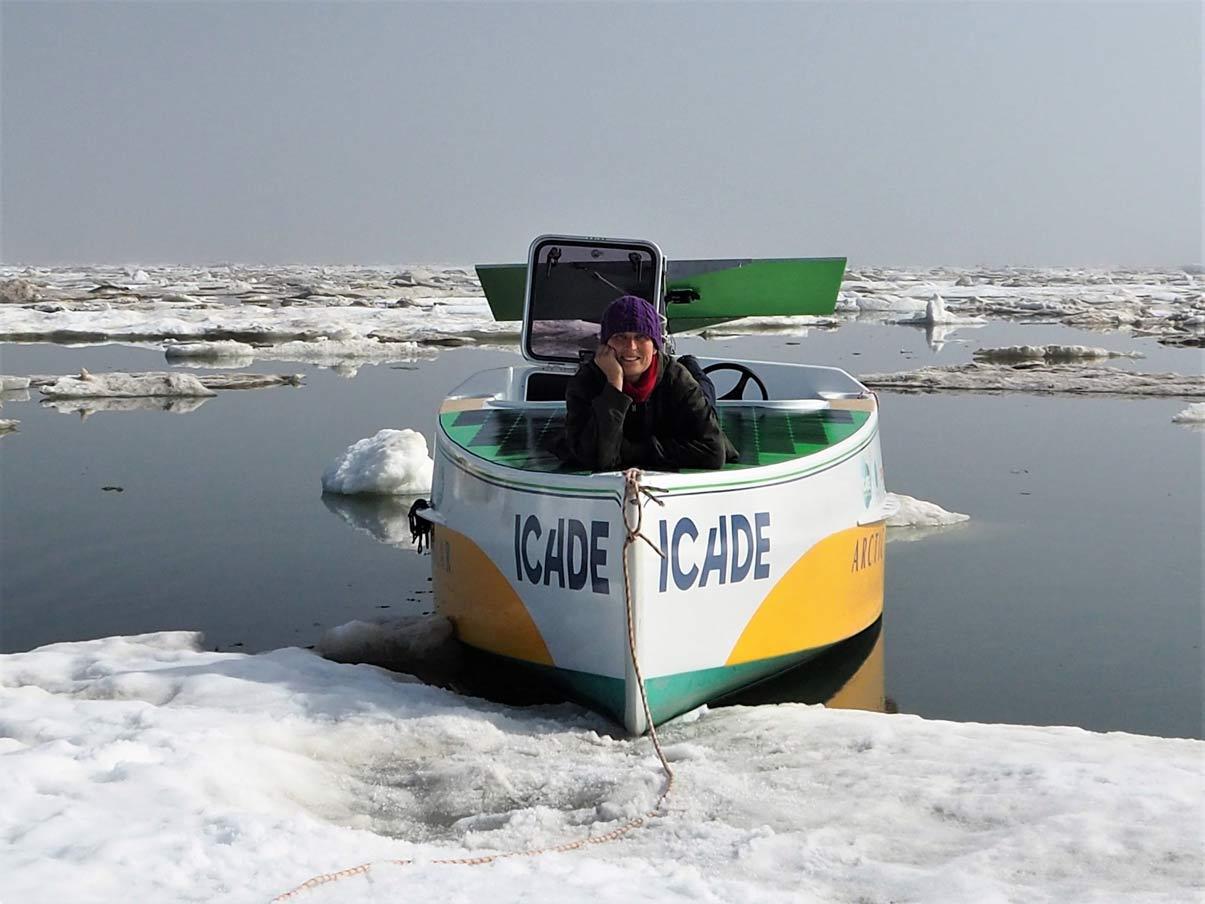 Vidéo : le bateau électro-solaire d'Anne Quéméré au coeur de l'Arctique