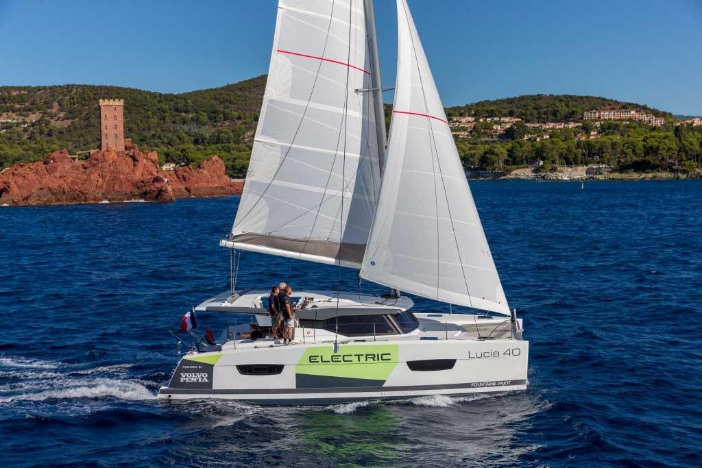 Volvo Penta présente sa technologie Saildrive sur le catamaran électrique Lucia 40