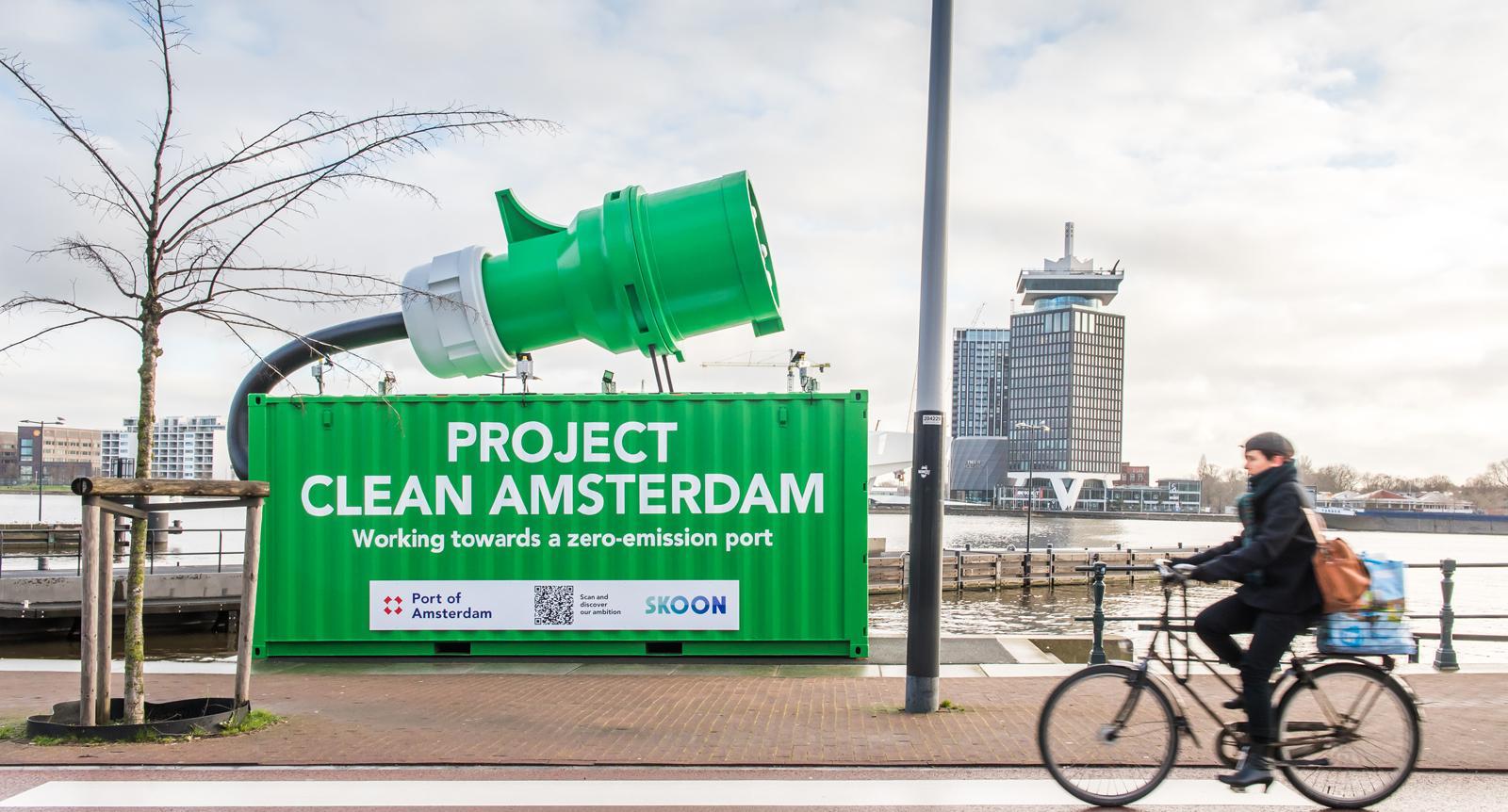 Amsterdam : une borne de recharge mobile pour les bateaux électriques