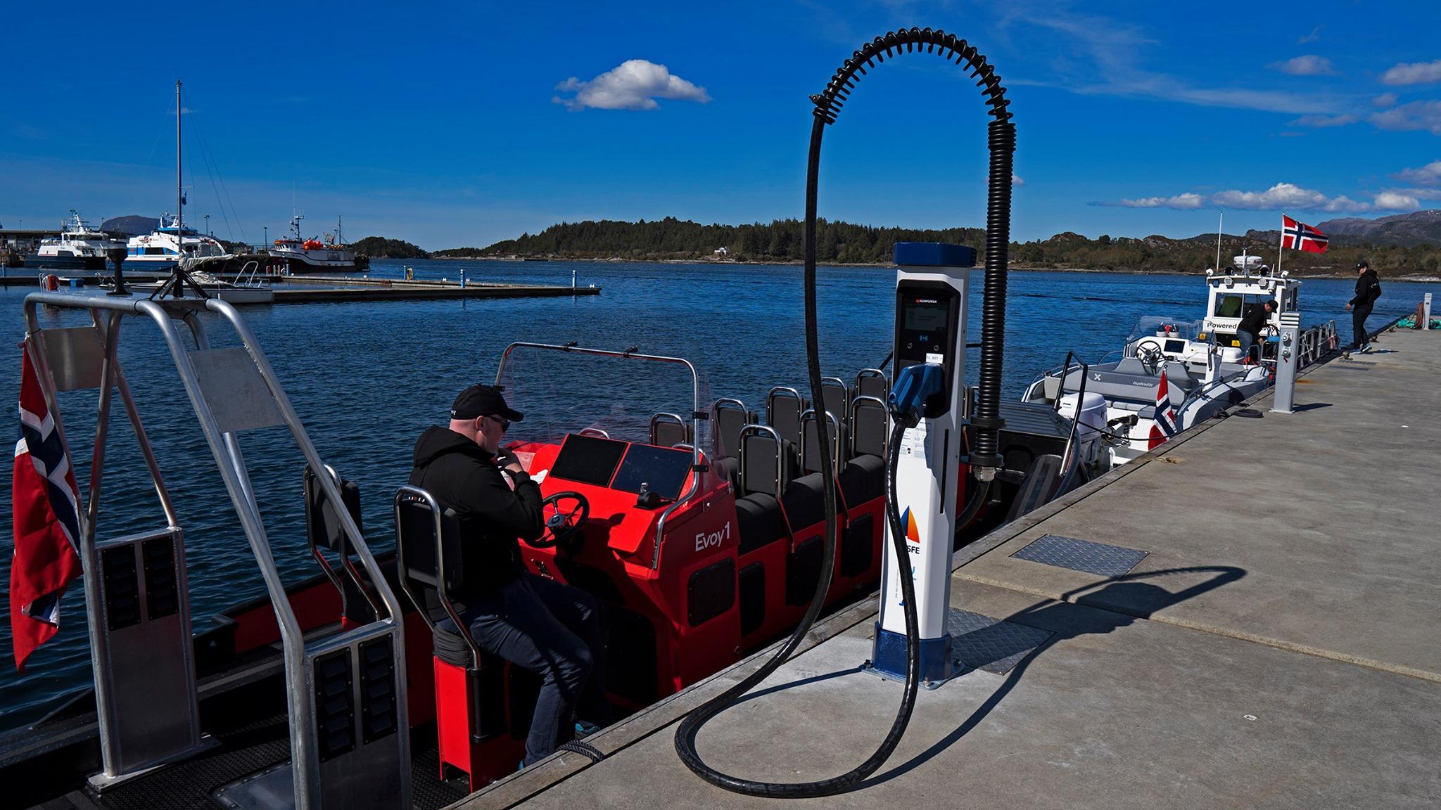 Un réseau de superchargeurs pour bateaux électriques en Norvège