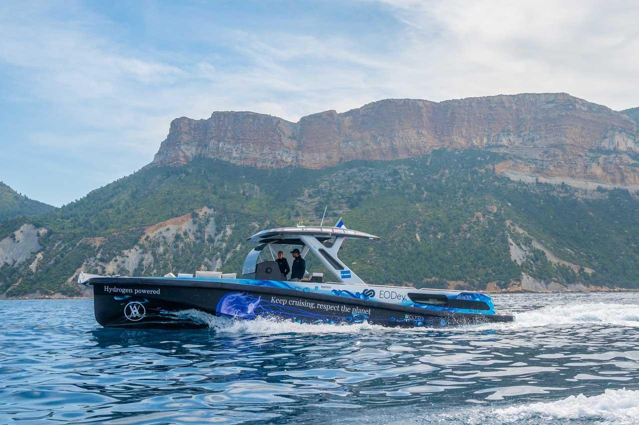 Le bateau à hydrogène d'Hynova lève l'ancre à Marseille